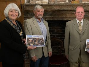 Newport Mayor Councillor Lyn Fowler and the town clerk Sheila Atkinson with winners Geoff Chalcroft and Les Colbert