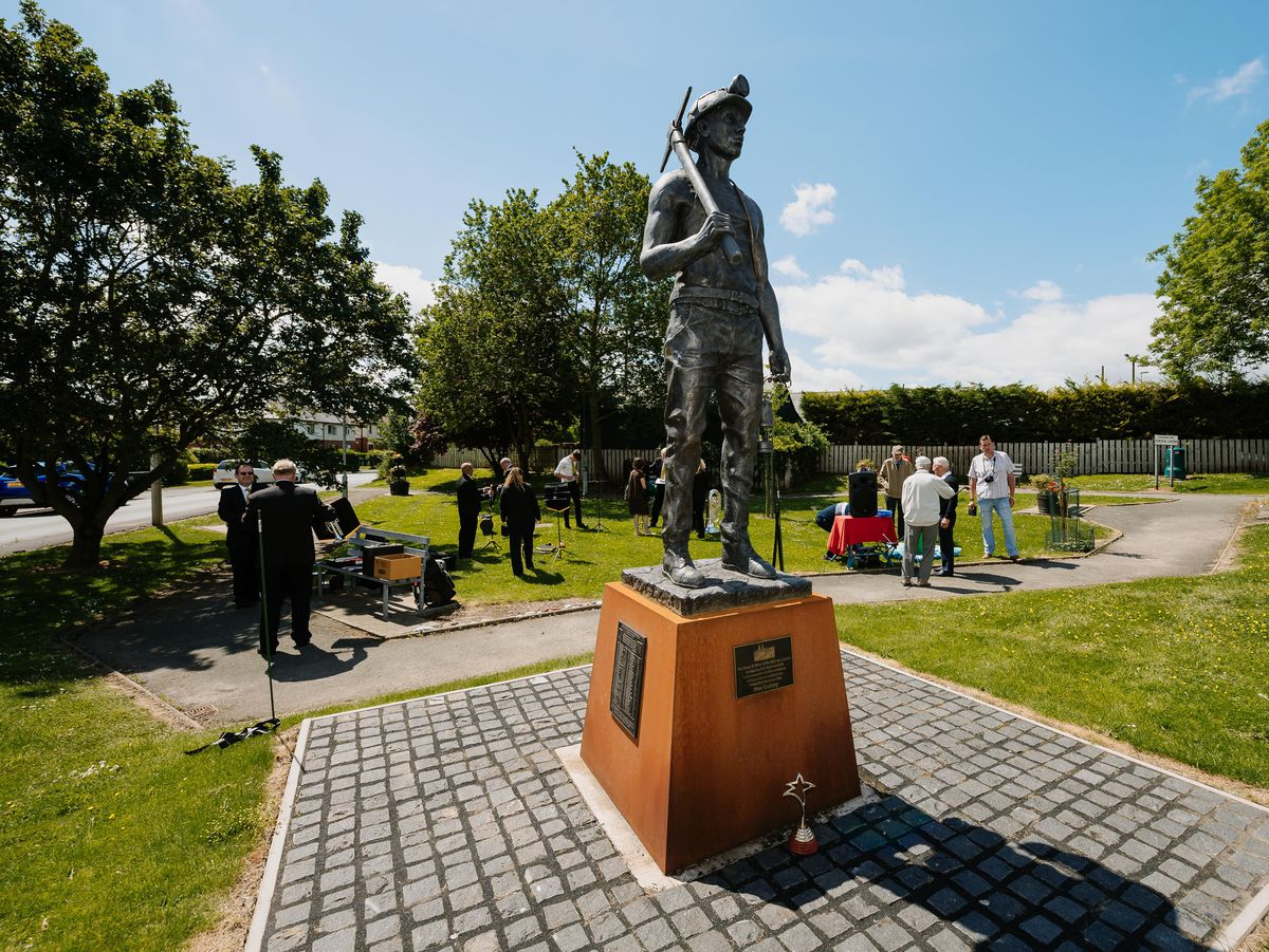 BORDER COPYRIGHT SHROPSHIRE STAR JAMIE RICKETTS 12/06/2021 - Plaques unveiled as part of the last stage of the Miner's Statue in St Martins..