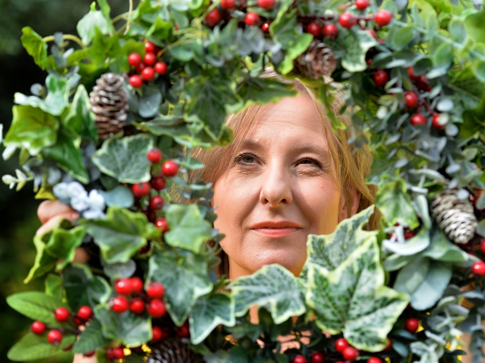 The Christmas symbol of love and friendship: What it's like to make festive wreaths