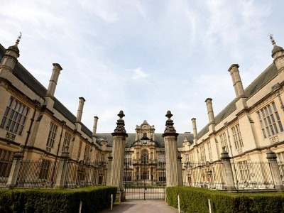 Oxford University under pressure to improve student diversity