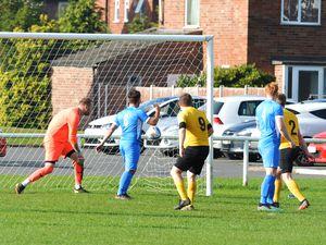 SPORT PIC MNA PIC  DAVID HAMILTON PIC  SHROPSHIRE STAR 16/10/21 Newport Town vs Gobowen Celtic Gobowen score their first goal..