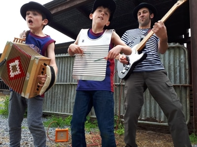 Family music trio among line-up at Shropshire Cajun and Zydeco Big Weekend