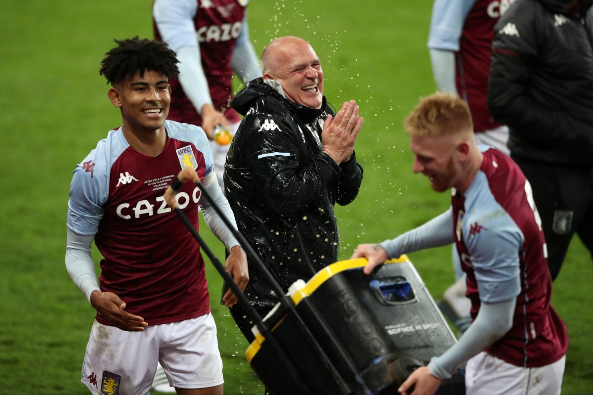 Aston Villa's Kaine Kesler Hayden (left) and Brad Young (right) celebrate winning the FA Youth Cup Final at Villa Park, Birmingham.