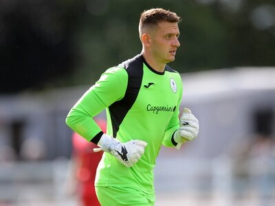 AFC Telford boss Gavin Cowan tells keeper to stay grounded