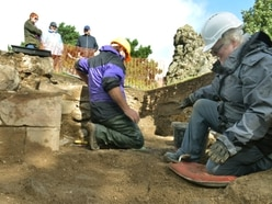 Keep walls uncovered during Oswestry Castle dig