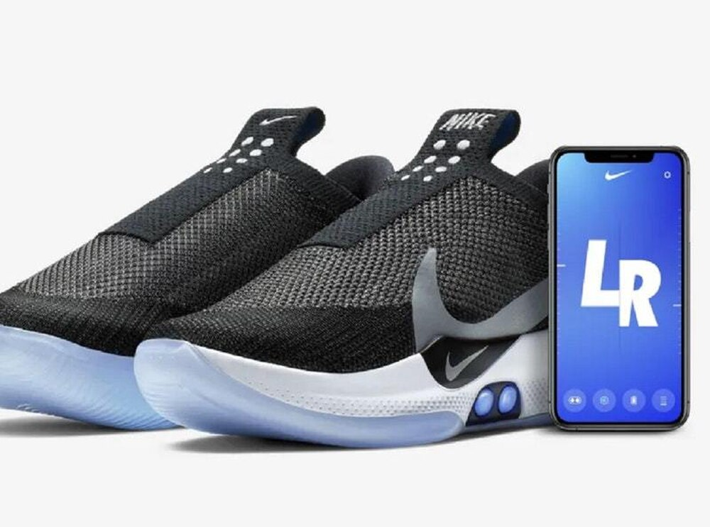 sale retailer 80459 32754 Nike unveils self-lacing shoes controllable from a smartphone ...