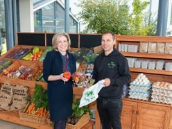 Fruit and veg company sets out stall at Oswestry hospital to help patients eat healthily