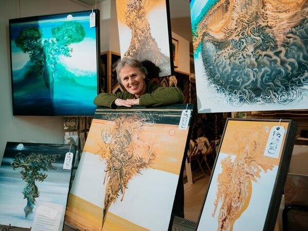 Oswestry framing shop hosting town artists' work