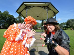 BORDER PIC MNA PIC  DAVID HAMILTON PIC  SHROPSHIRE STAR 4/8/21 Getting ready to put on Toad of Toad Hall, members of Attfield Theatre Company, Debbie Jones as Chief Weasel, and Malcolm Lord as Wanda The Washerwoman, at Cae Glas Park, Oswestry..