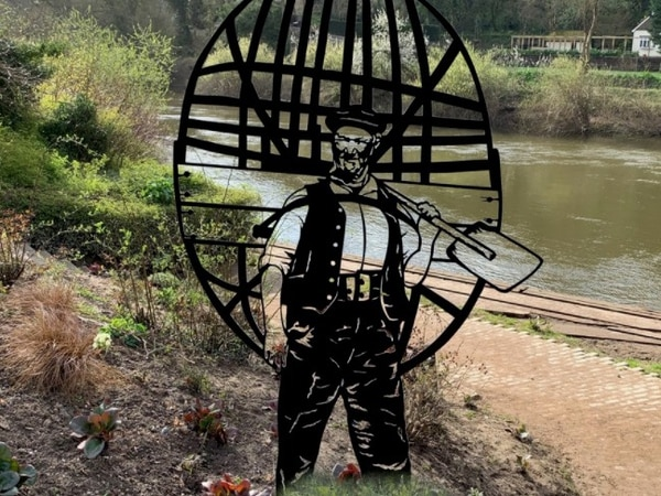 Coracle men of Ironbridge to be remembered with new statue