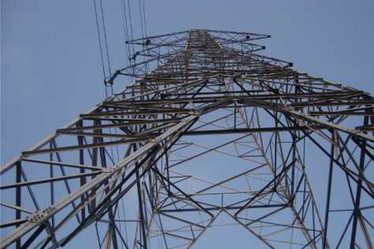 MPs in showdown meeting with National Grid over pylons