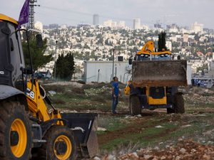 Constructions workers in the West Bank