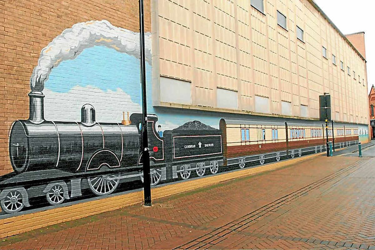 Warm welcome for Oswestry's second train mural ...