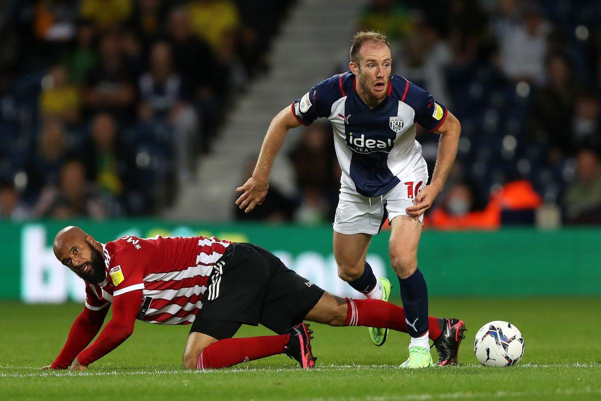 David McGoldrick of Sheffield United and Matt Clarke of West Bromwich Albion. (AMA)