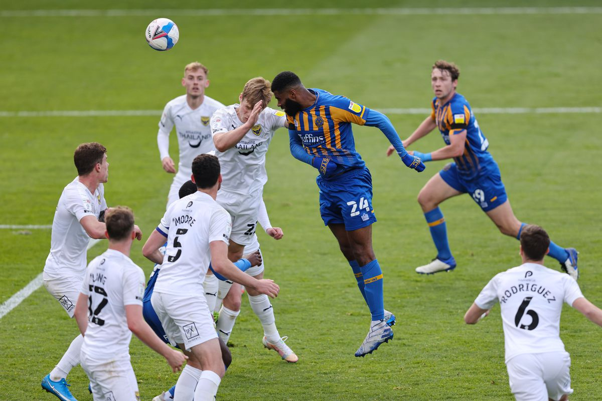 Ethan Ebanks-Landell of Shrewsbury Town nearly scores with an equaliser during added time. (AMA)