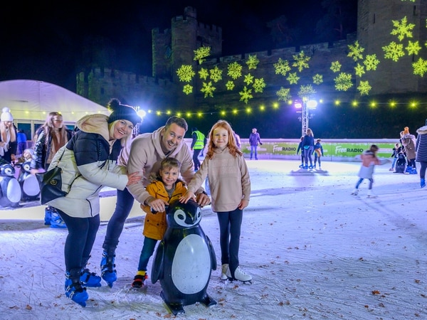 Festive ice rink skates in to Warwick Castle - review with pictures