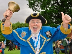 Loudest man in Newport to take part in town crier competition
