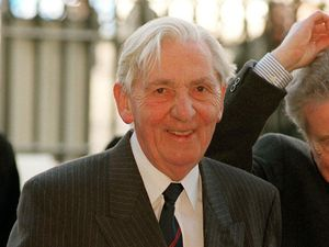 Councillors have backed a plan to name a street in Hadley after former TUC leader Len Murray.