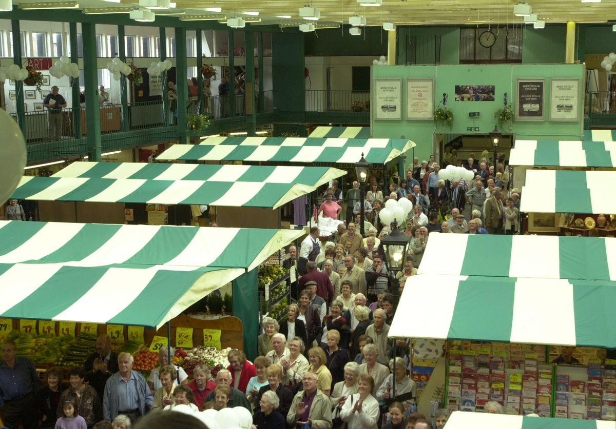 Crowds turn out to see Bobby Ball at Shrewsbury Market Hall in 2003