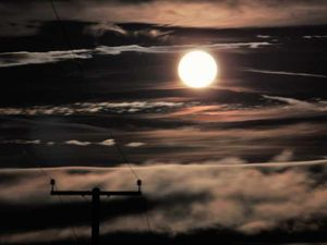 Send us your supermoon pictures for the chance to win £100