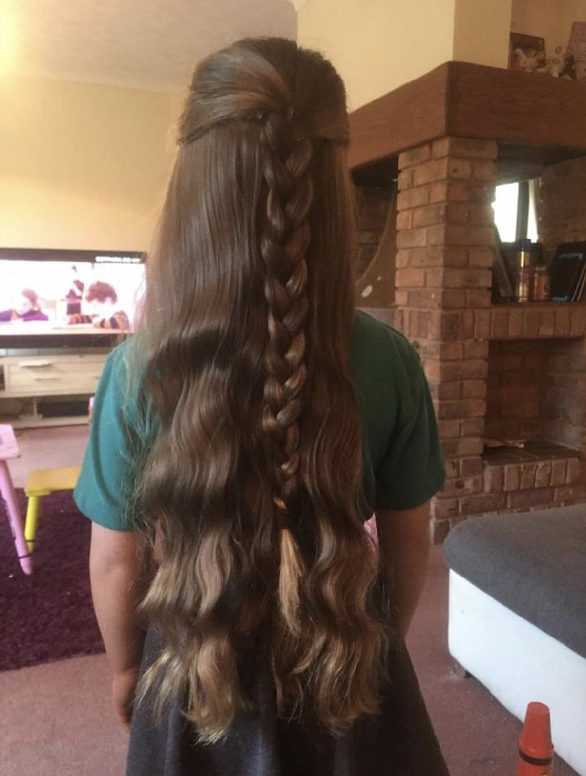 Alice's hair before it was cut