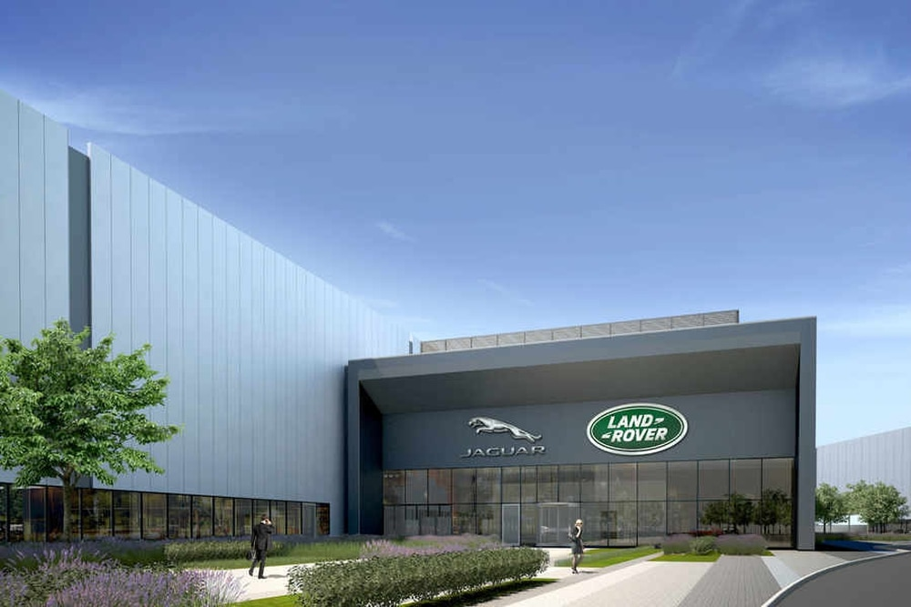 Jaguar Land Rover to invest £450m to double size of i54 engine plant