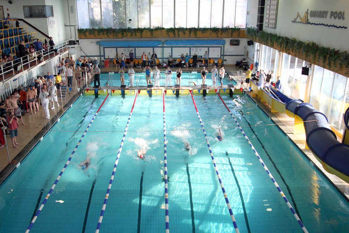 Rally in last-ditch bid to keep Shrewsbury's Quarry swimming pool