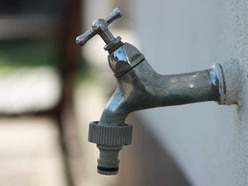 Homes without water after pipe burst
