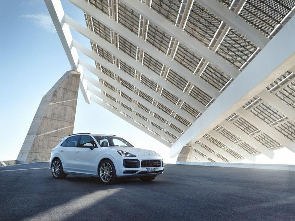Porsche to launch the Cayenne E-Hybrid