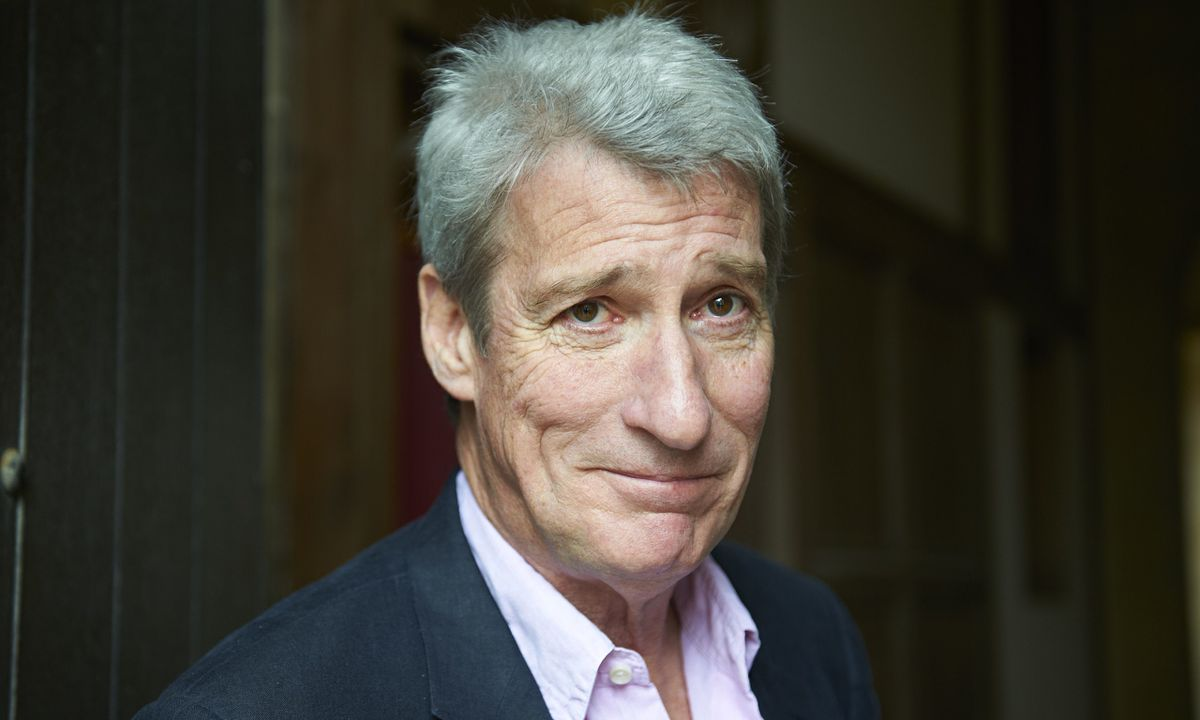 Jeremy Paxman thinks anyone can read the news