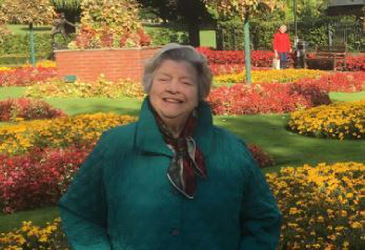 Chairman of Oswestry in Bloom, Miss Betty Gull