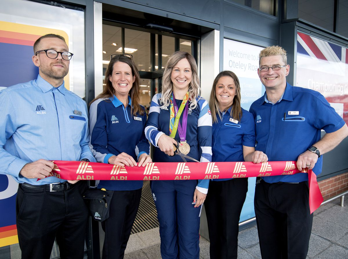 Joanna with members of the new Aldi team