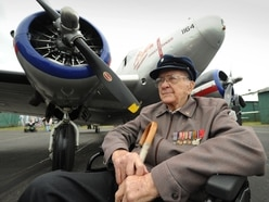 Second World War veterans reunite at airfield - in pictures