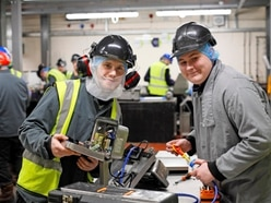 Apprentices who keep the poultry in motion