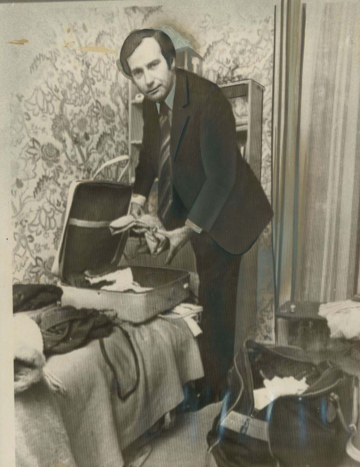 Packing ready to leave Melbourne in 1975