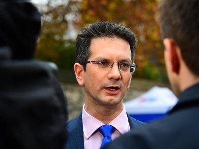 'Brexit hardman' Steve Baker resigns as ERG chairman