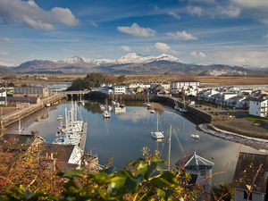 Porthmadog will soon be open to holidaymakers again – but only if you're from Wales