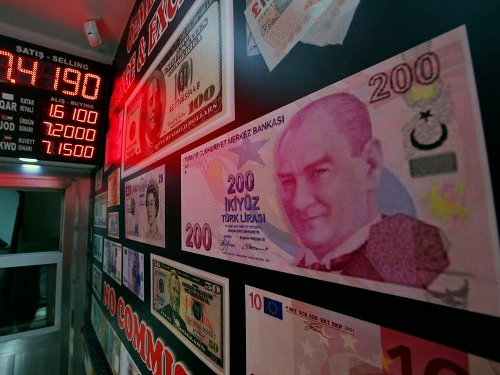 Will Qatar's billions save the Turkish lira from collapsing?