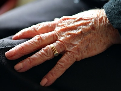 Tablet loan service for elderly people who want to stay connected