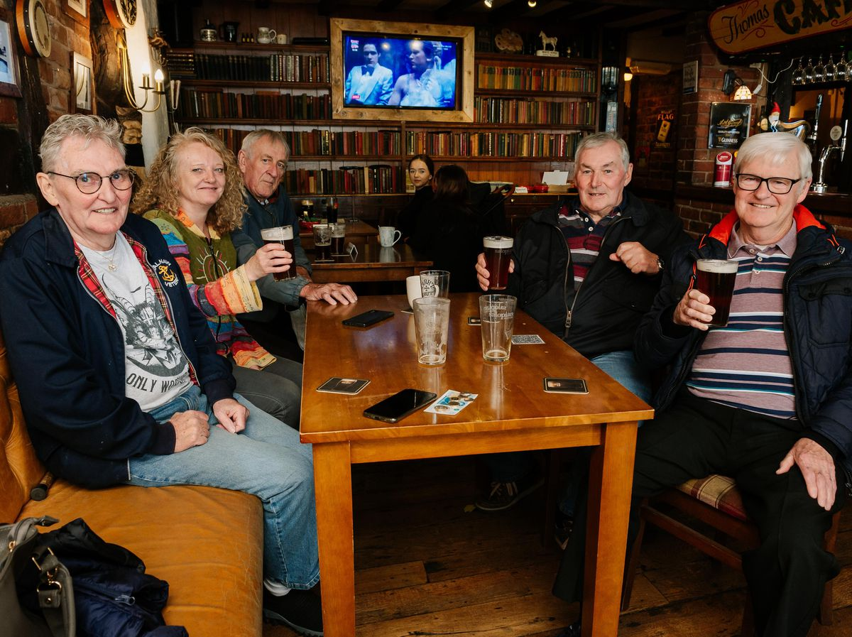 Steve Walsh, Linny Keen, Doug Hunter, Michael Flynn and Brendan Collins at The Griffin Inn, Oswestry