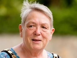 Health services fractured says Oswestry mayor