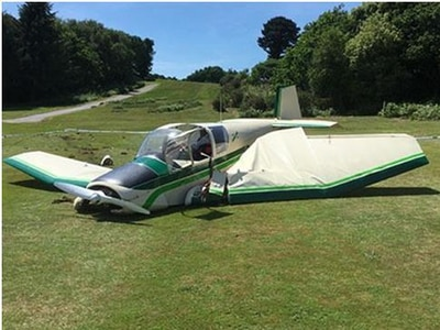 Plane with engine failure tees up emergency landing on eighth hole