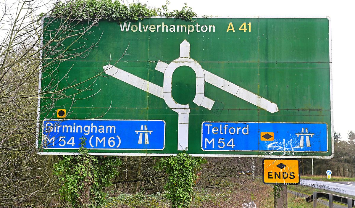 The M54 road sign at Junction 3 near Tong on the A41