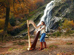 Harpist Aisling Ennis