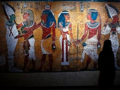 Treasures from Tutankhamun's tomb on display in Paris