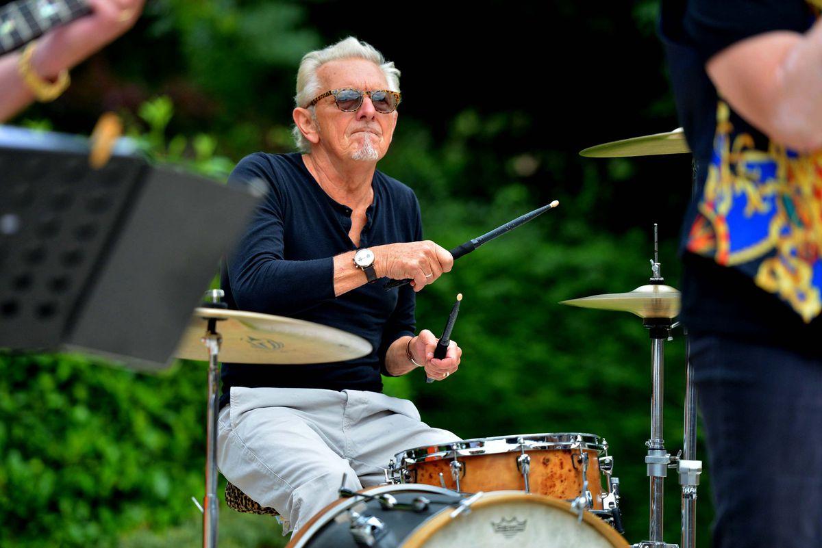 Alan Morley on drums
