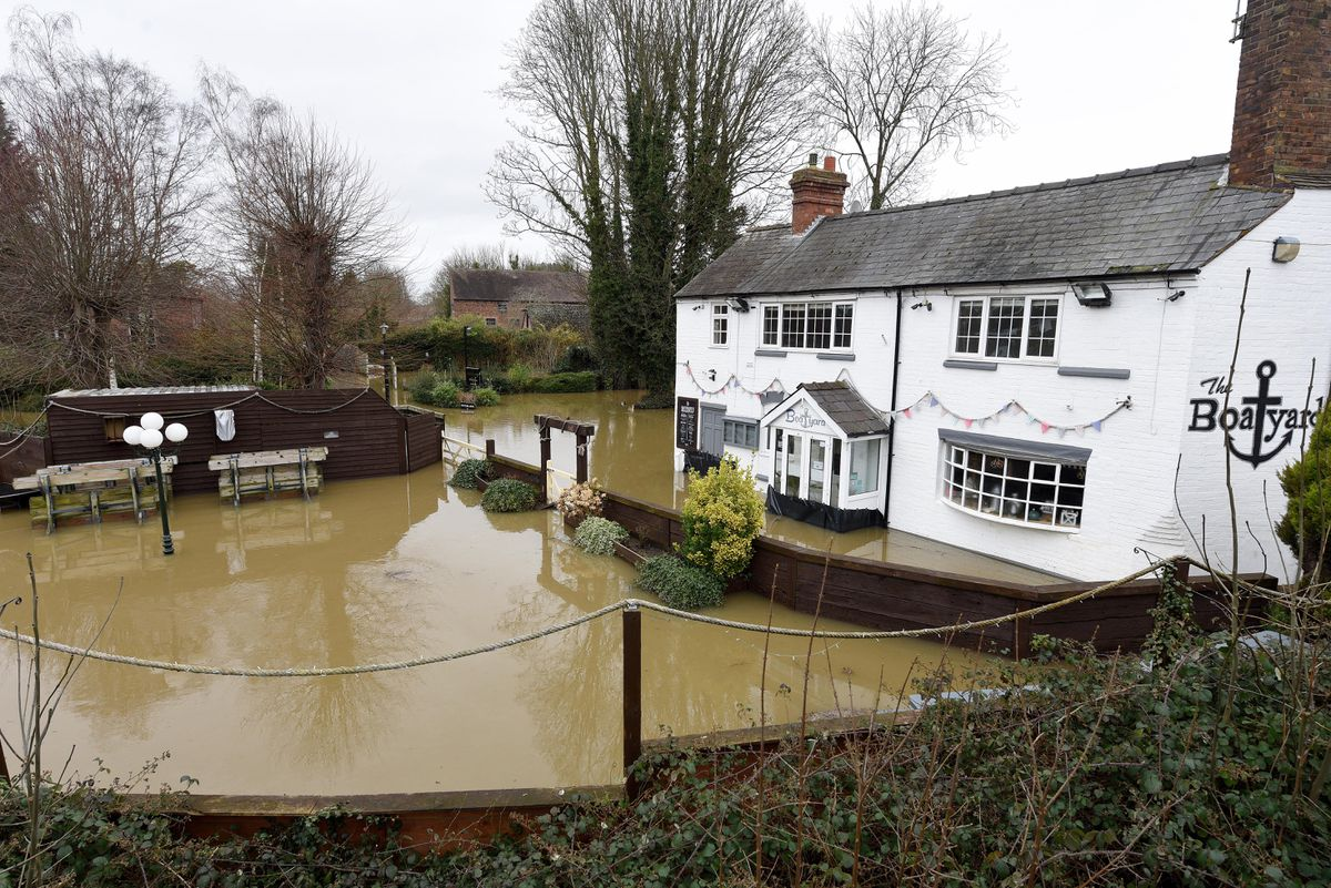 LAST COPYRIGHT EXPRESS&STAR TIM THURSFIELD- 19/02/20.Scenes in Bridgnorth today after the severe flooding. The Boatyard pub..WITH VIDEO..