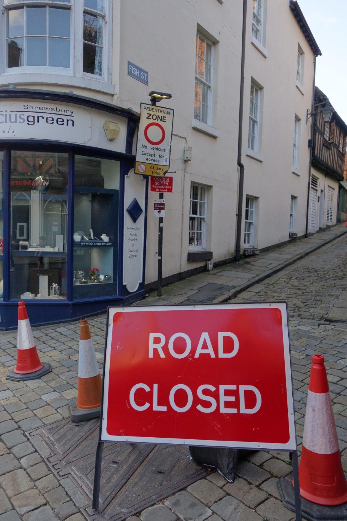 Road closed sign at the corner of Fish Street and High Street. Photo: W Tomaszewski