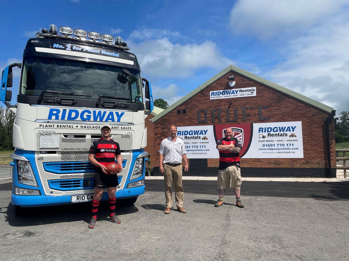 Pictured: (L-R) Dan Smart (Ridgway Transport Assistant), Stuart Jones (Ridgway MD) & Warren Howell (Oswestry Rugby Club Chairman)