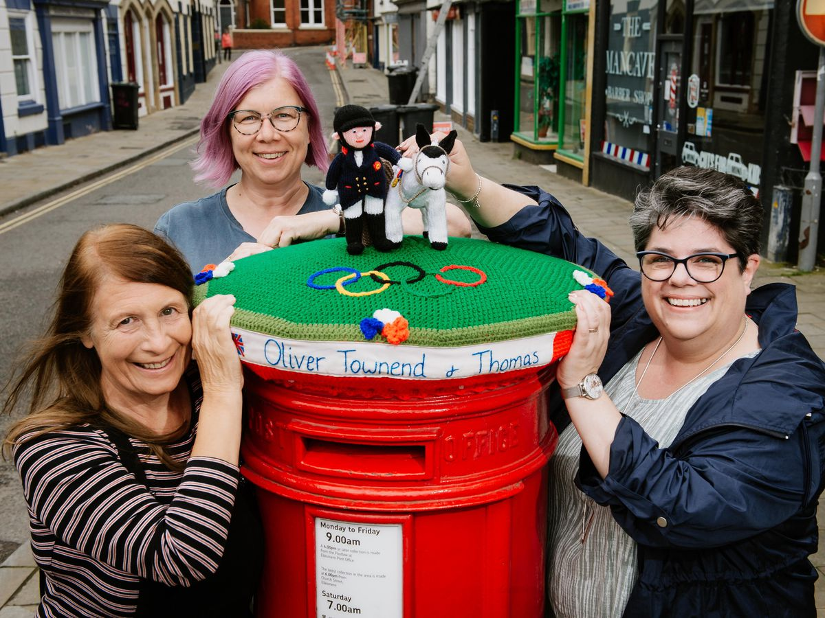 Diane Lewis, Alison Utting and Ismay Evans from Ellesmere Yarn Bombers